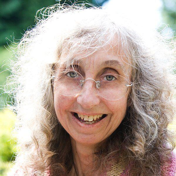 Alison Brakenbury Headshot - Kendal Poetry Festival 2021 Poet
