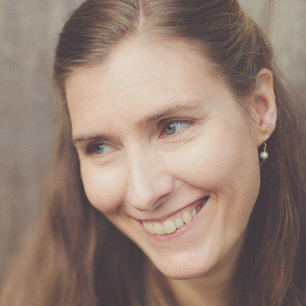 Fiona Benson Headshot - Kendal Poetry Festival 2021 Poet